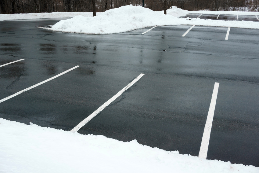 3 Tips for Increasing the Longevity of Your Parking Lot